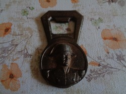 Napóleont ábrázoló bronz sörnyitó