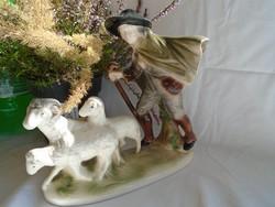 Nagyméretű sizendorfi majolika juhász figura