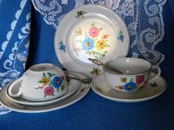 Tavaszi virágos reggeliző szett fajansz 2 főre, csésze  kistányérok