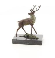 Gyönyörű bronz szarvas szobor