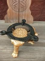 Ritkaság! Jelzett antik oroszlán körmös szecessziós edény tartó / melegítő alátét
