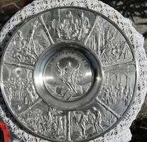 RITKASÁG!  Ón fali tányér,Zinn 95% Jézus 7 stációját ábrázolja...dombornyomott.