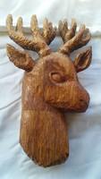 Kézzel faragott fa szarvas fej,falidísz.28 x 18 cm.