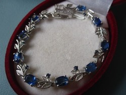 Szecessziós virágos leveles karkötő - 925 ezüst 9 gyönyörű zafír kővel