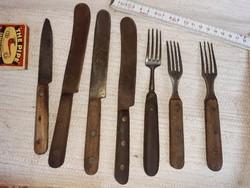 Régi evőeszközök, 3 villa, 4 db kés