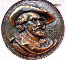 Rubens önarcképe, domborműves fali műtárgy, óriás méretű kalapált vörösréz kézműves alkotás