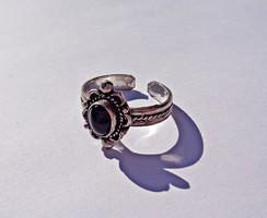 Onix köves állítható méretű fémjelzett gyűrű