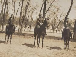 Régi fotó lovas katona fénykép csoportkép képeslap 1928