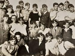 Régi fotó leventefiúk csoportkép levente katona fénykép 1937