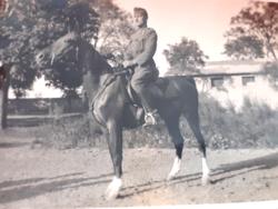 Régi mini fotó fénykép lovas katona