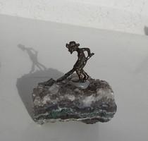 Ametiszt rög bronz bányász minifigurával