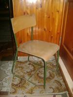 Régi, csővázas iskolai szék