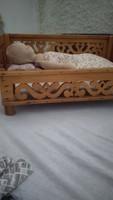 Régi ágy babával eladó