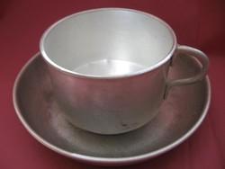 Régi alumínium leveses csésze tányérral