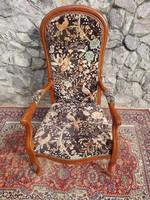 Antik szegecselt allatmintas fotel