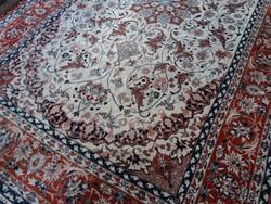 Isfahan selyemkontúros kézi csomózású szőnyeg szőnyeg