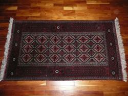 Sűrű szövésű, antik kézi csomózású perzsa szőnyeg újszerű állapotban! Soha nem volt földön!