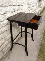 Thonet asztal 1 fiókos laptophoz is!