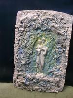 Szűz Mária kis Jézussal, Fali-oltár, dombormű  festett  beton, 30 x 21 cm  Lehoczky József  Átvétel