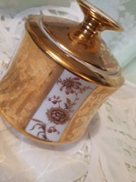 Koszorúsné porcelán bonbonier