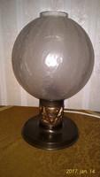 Asztali lámpa (stilizált bronzlemez talpon)