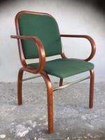 Antik jellegű, hajlított karfás szék