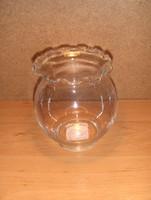 Fodros szélű üveg váza 13 cm magas (fp)