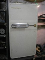 Uj -kl-á Régi működő hűtőszekrény zárható  kis mélyhűtő résszel is