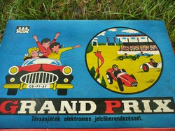 Elemmel működő antik Grand Prix autós társasjáték az 1970-es évekből működőképes állapotban