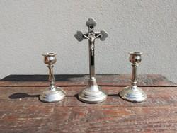 Asztali házi oltár, feszület gyertyatartó párral