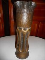I. világháborús tüzérségi lövedék-váza