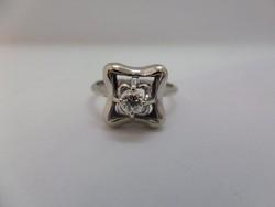 Fehér arany brilles gyűrű