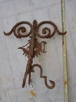 Antik, kovácsoltvas napóra (?), 38 cm magas, egy lába hibadzik...