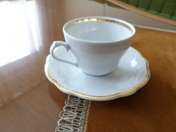 Dús aranyozású régi Royal porcelán cappuccinós csésze/alátéttel.