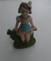 Régi retro kerámia kislány piros pöttyös figura