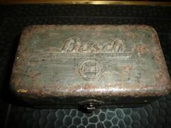 Az első kereskedelmi forgalomban kapható BOSCH autó alkatrész dobozkák egyike