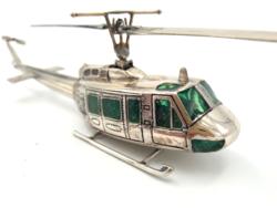 Fantasztikus ezüst helikopter