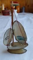 Retro balatoni emléktárgy - vitorlás hajó kagylóból, Balatoni emlék felirattal