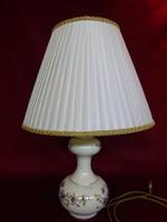 Zsolnay porcelán lámpa. A lámpatest mérete 16.5 x 33 cm. száma: 10119/059.