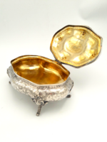 Hatalmas ezüst aranyozott bonbonier 1222 g