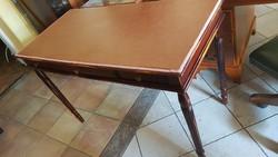 Antik bőrlapos íróasztal