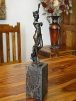 Női akt bronz szobor