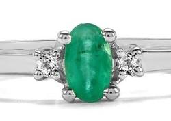 Limitált darabszámú ékszer 925-ös ezüst gyűrű eljegyzési gyűrű Smaragd és Fehér Topáz drágakővel
