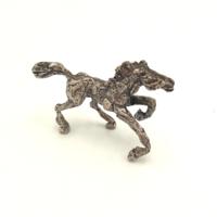 Fantasztikus stilizált ezüst ló