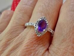 Szép ametisztköves ezüst gyűrű