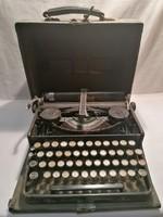Naumann Erika régi írógép