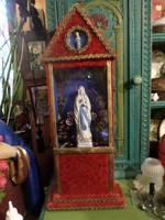 Kb 65 cm magas házi oltár kitisztítva , hátlapozva , képeken látható állapotban .