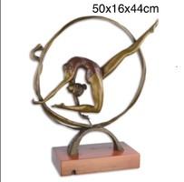 Konstruktivista - légtornász- tornász bronzszobor