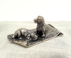 Édes ezüst miniatűr kutyákkal