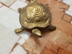 Helyes, kis ékszertartó teknős, réz